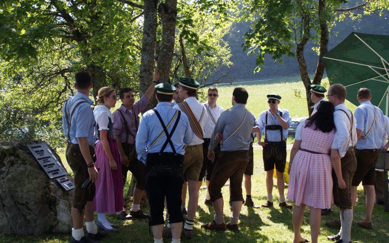Aenanen beim Hüttenfest