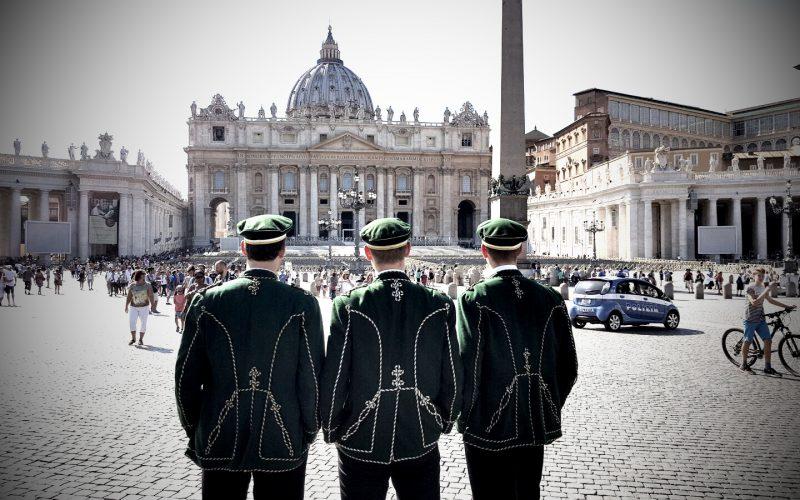 Aenanen auf dem Petersplatz in Rom
